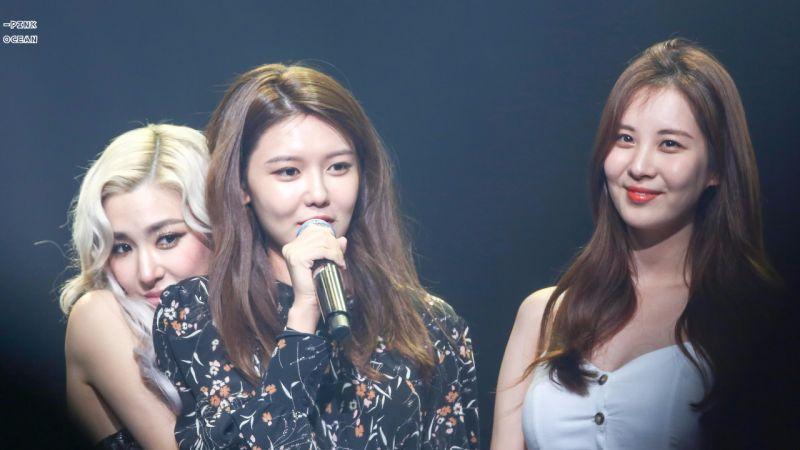 秀英和徐玄友情助阵Tiffany演唱会,合唱少女时代《那个夏天》和《再次重逢的世界》!