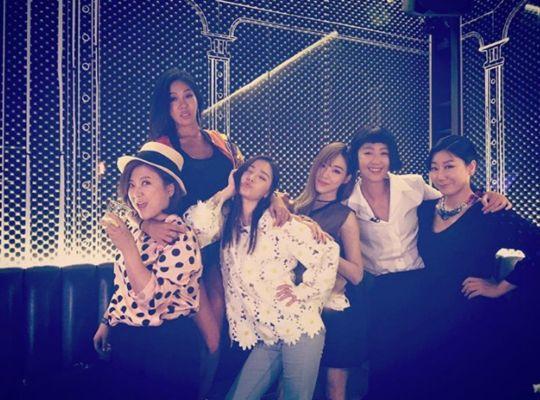 《姐姐們的Slam Dunk》成員開趴慶祝大姐們得獎