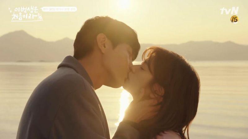 tvN《今生是第一次》可以告訴我為什麼「面攤房東」李民基,瞬間變成撩妹高手了嗎?
