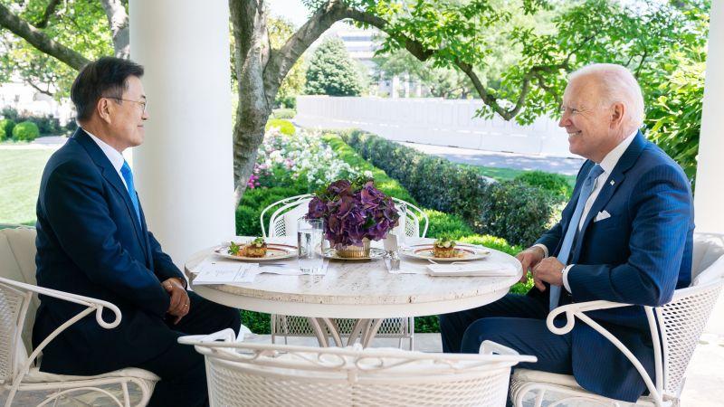 文在寅訪美午餐「蟹肉餅」竟惹韓網民不滿,稱是暗中「貶低韓國總統」!連當地僑民都覺得太離譜