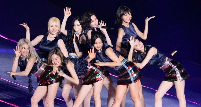 少女时代出道将满十周年 SMTOWN 演唱会中透露回归期待!