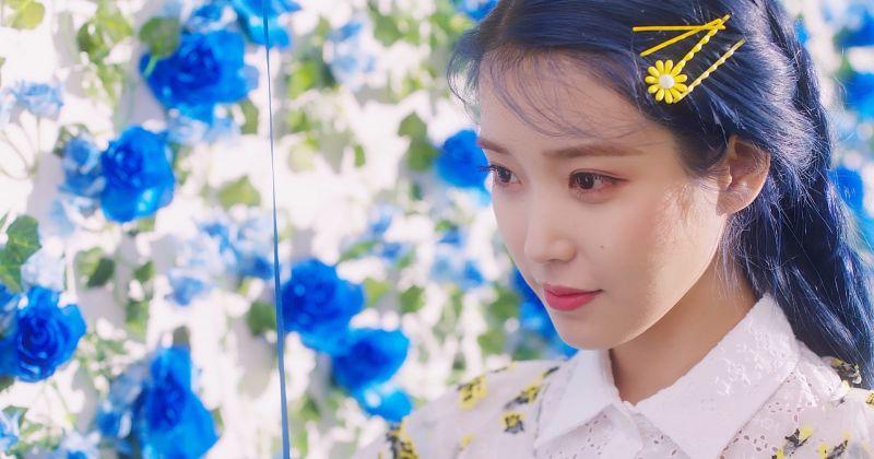 不愧是 IU!〈Love poem〉全曲列隊佔領排行榜
