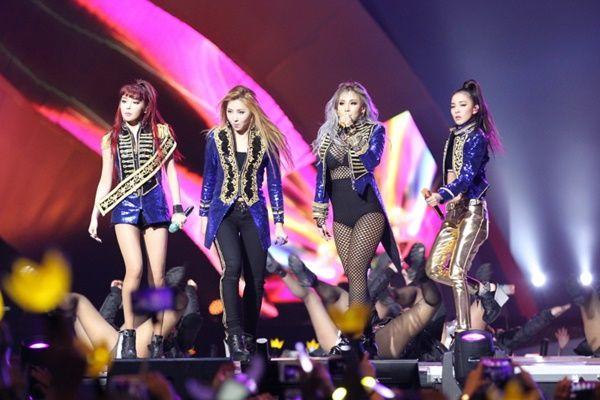 2NE1 告别歌曲持续发威 夺下告示牌数位销售榜冠军