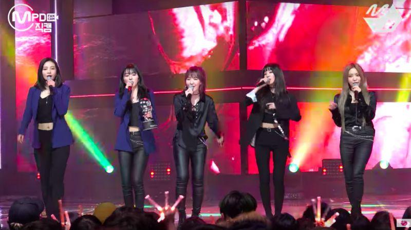 Red Velvet 接连征服音乐节目 〈Bad Boy〉火速登基三冠王宝座!