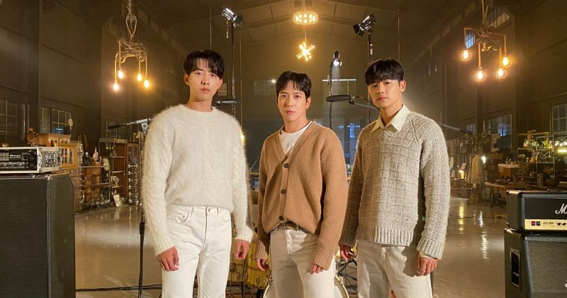 CNBLUE 现场表演+新画报曝光!「往后十年也会继续守护韩流乐团的形象」