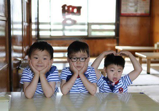 宋一国晒三胞胎新照 可爱的他们长大啦