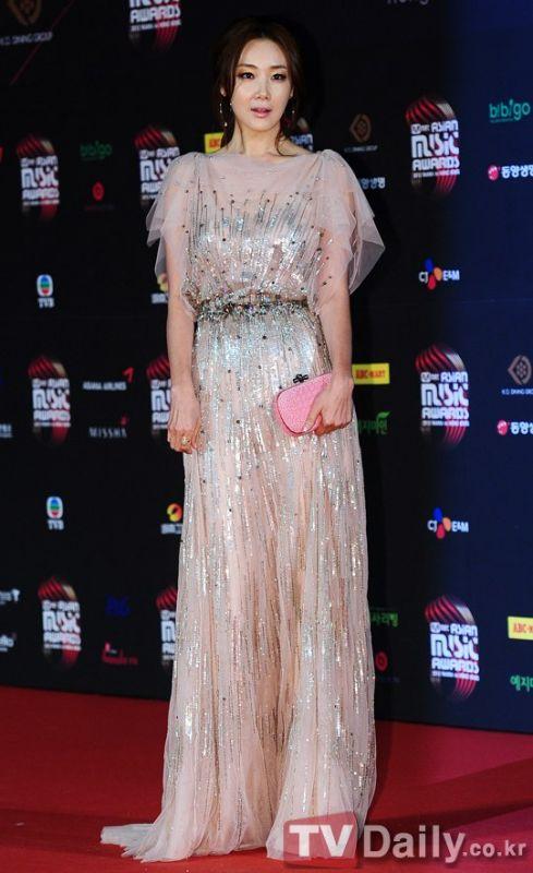 崔智友參演《奇怪的保姆》 飾演冷血保姆