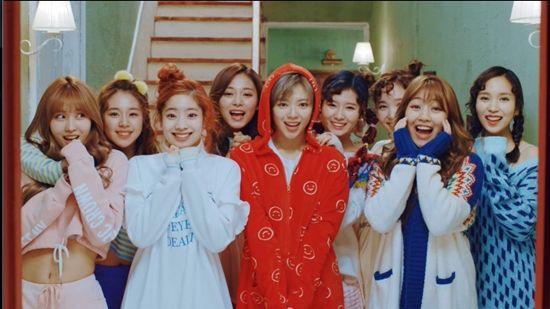 TWICE新曲《Knock Knock》MV預告視頻公開 下周正式回歸