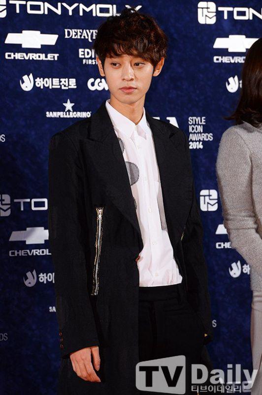 郑俊英暂时退出《两天一夜》以此反省 向节目组&观众道歉