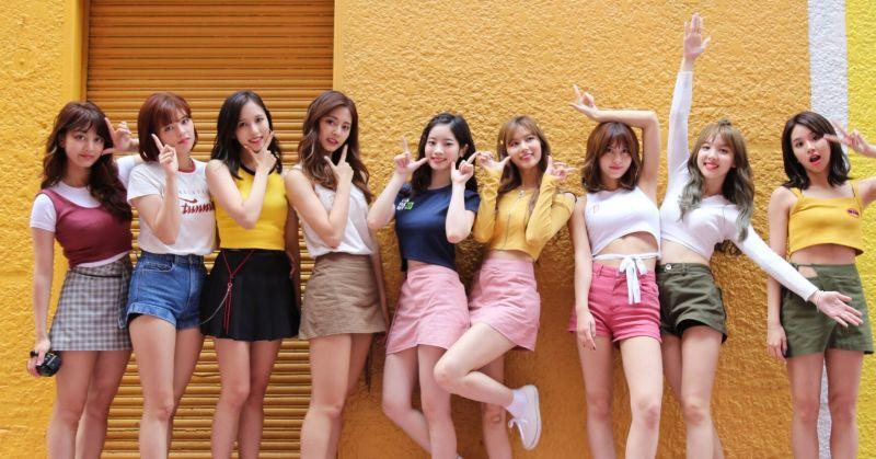 重温 TWICE 的青春魅力 〈Likey〉MV 观看次数破五亿!