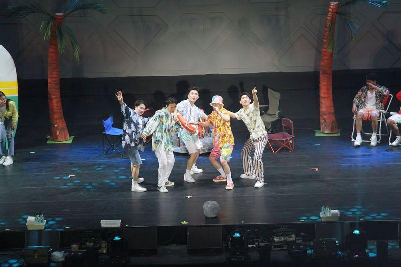 SUPER JUNIOR-D&E马来西亚演唱会:谁都不要走!