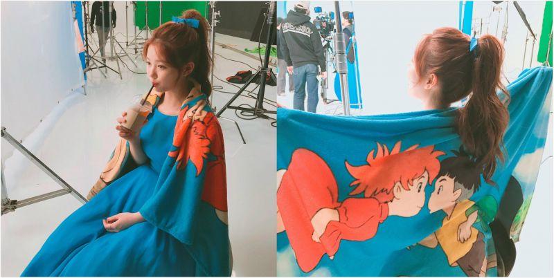 金裕贞拍摄广告侧拍图 就是个超可爱的小精灵!