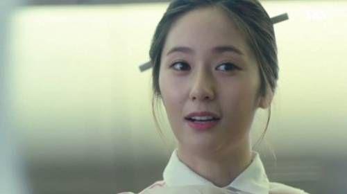 SBS新劇《藍色大海的傳說》Krystal變身美麗空姐 驚喜登場