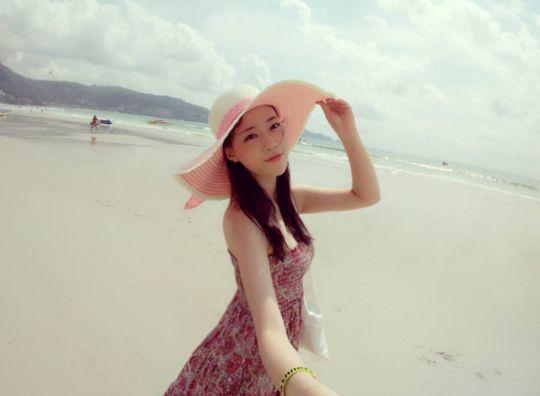 《又,吴海英》赴普吉岛度假 许龄智分享认证照