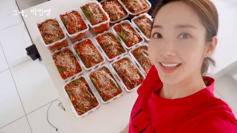 朴敏英亲手腌「脆辣椒泡菜」送人,李升基-刘在锡-Jessica-吴世勋-金世正极赞!