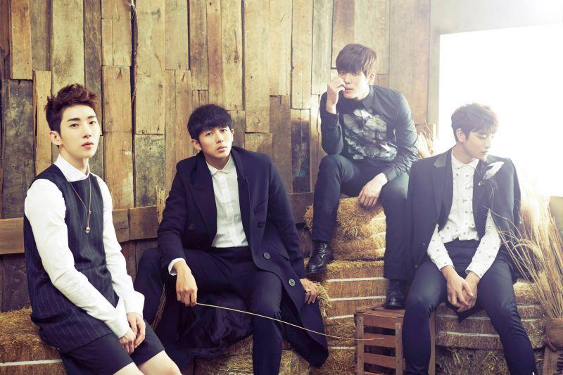 终於等到这一天!2AM继「死也不能放开你」后再度录制房时爀歌曲!将与朴轸永歌曲并列双主打歌