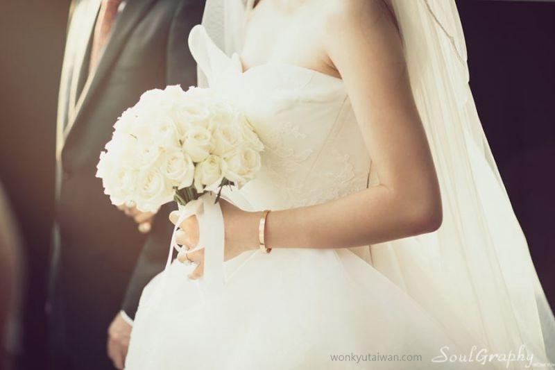 这些美丽的婚纱照来自知名婚摄―Studio Wonkyu