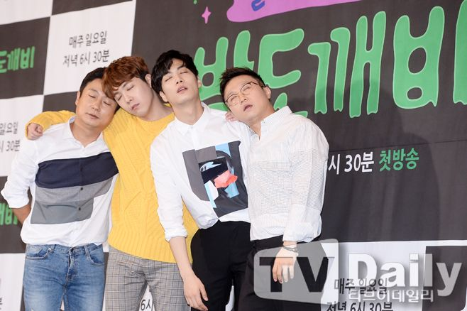 JTBC热门新综艺《夜猫子》今日开播 这个主持群的组合让人太期待啦~!