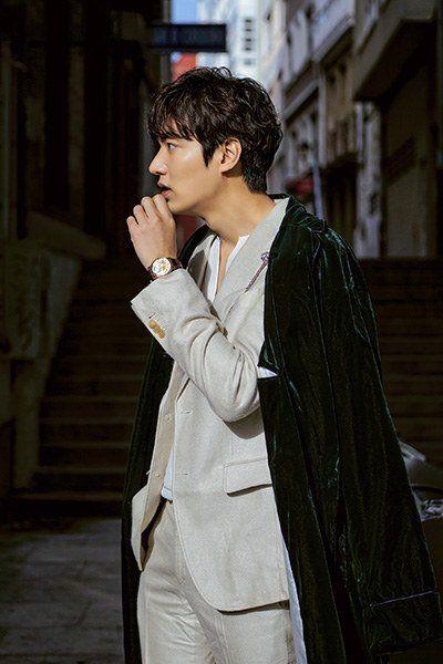 《藍海的傳說》李敏鎬劇照就像海報   雕刻美男再現